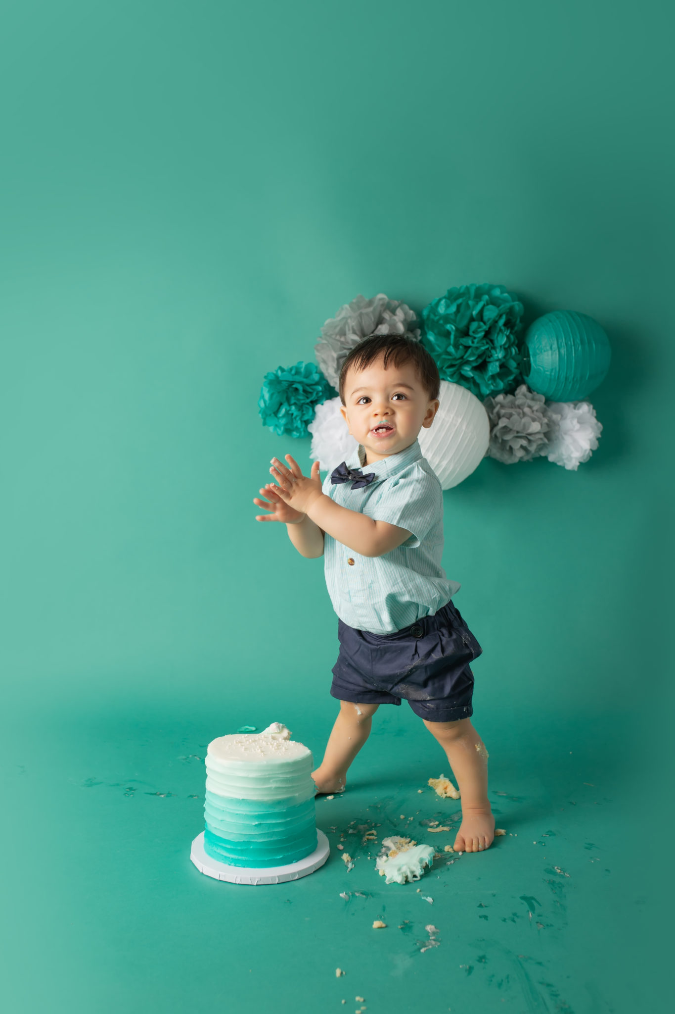 Dallas Baby Photographer first birthday cake smash in teal
